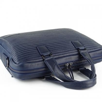 Олекотена мъжка чанта от естествена кожа