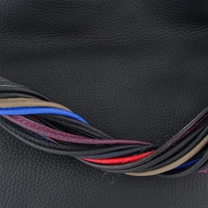 Многоцветна преплетена дръжка