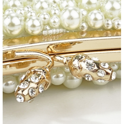 Чанти с камъни и перли