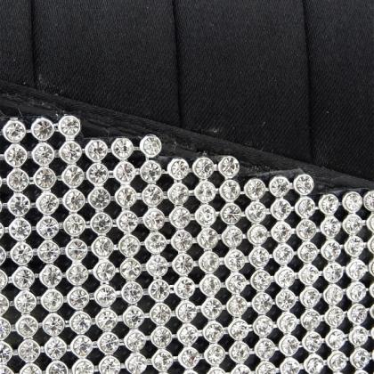 Абитуриентска чанта от сатен с камъчета
