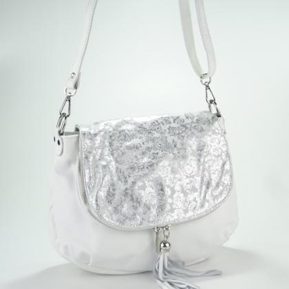 Кожена бяла чанта със сребрист капак
