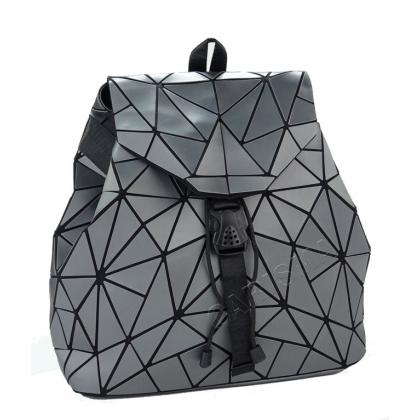 Дамска раница геометрични фигури в сиво 2042-2