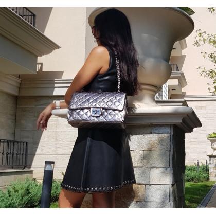 Удобна чанта тип Шанел