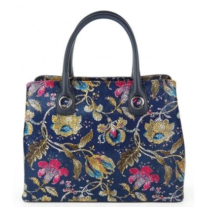 Дамска кожена чанта с флорални мотиви