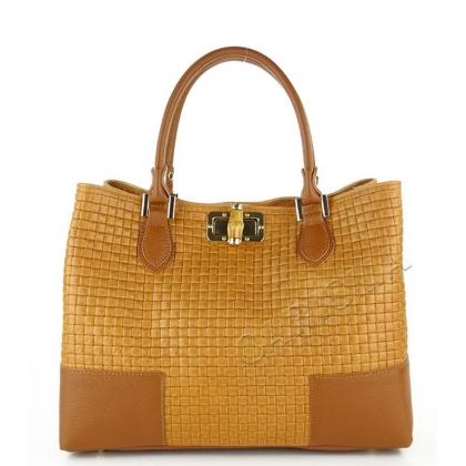 Чанта с ефектна препелетена кожа, Коняк 1018-1
