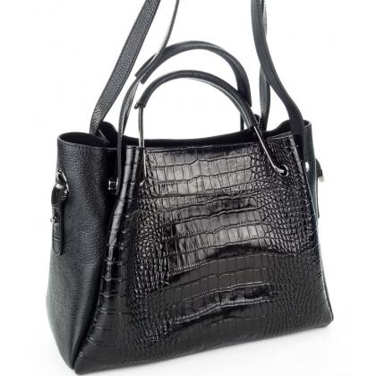 Стилна дамска чанта от естествена кожа в черно T2821