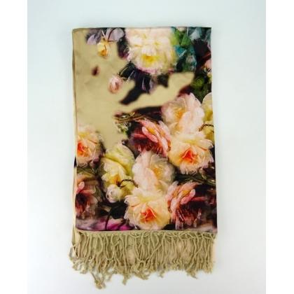 Бежов дамски шал на цветя