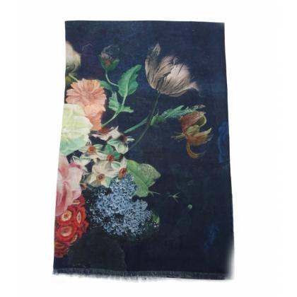 Тъмносин дамски шал