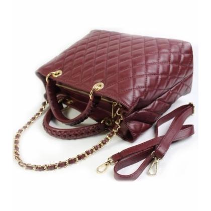 Чанта капитониран дизайн