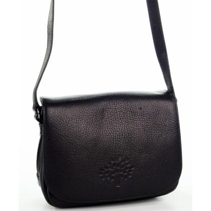 Дамска черна чанта през рамо
