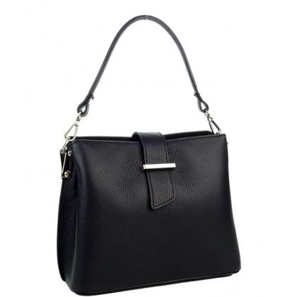Дамска чанта от естествен кожа в черно 18253