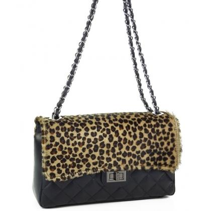 Чанта с капак с естествен косъм и кожа