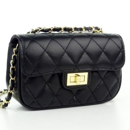 Кожена дамска чанта в черно
