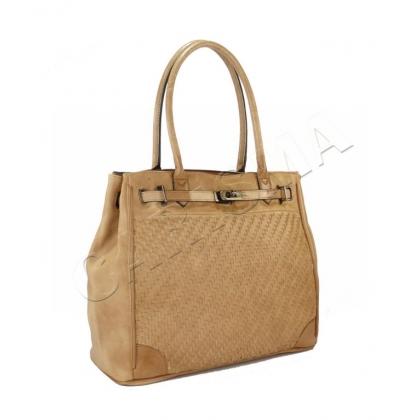 Голяма и удобна чанта от еко кожа
