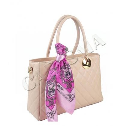 Дамска чанта с декоративен шал