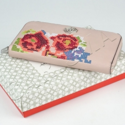 Портмоне с подаръчна кутия
