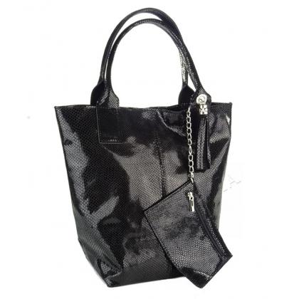Чанта с змийски ефект в черно