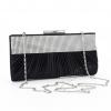 Черна сатенена чанта
