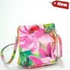 Малка кожена чанта с принт на цветя