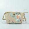 Бежова чанта с цветя David Jones